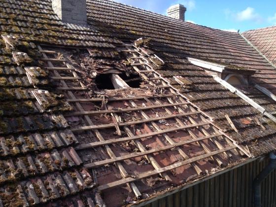 Katto purettiin piipulta räystääseen saakka